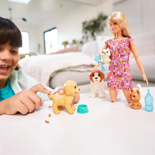 Barbie Doggy Daycare Doll și animale de companie